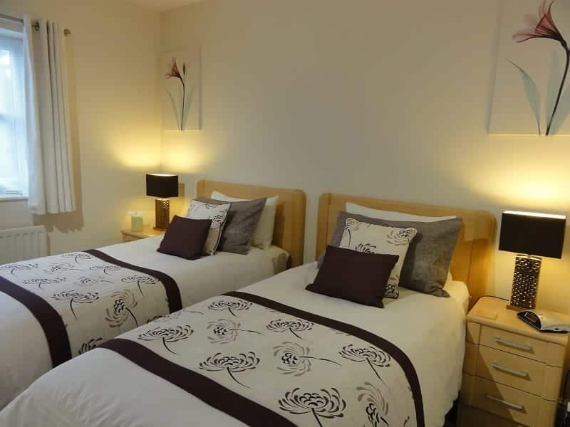 Chester Holiday Cottages Twin Bedroom