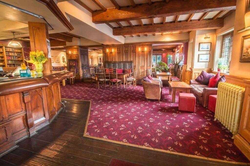Nelsons Bar Grosvenor Pulford Hotel Hotels Chester Pub Food Chester Chester.com .jpg