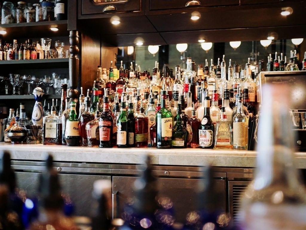Food Drink Bars And Pubs Hero Image 1.jpg
