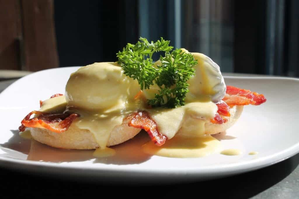 The Suburbs Eggs Benedict