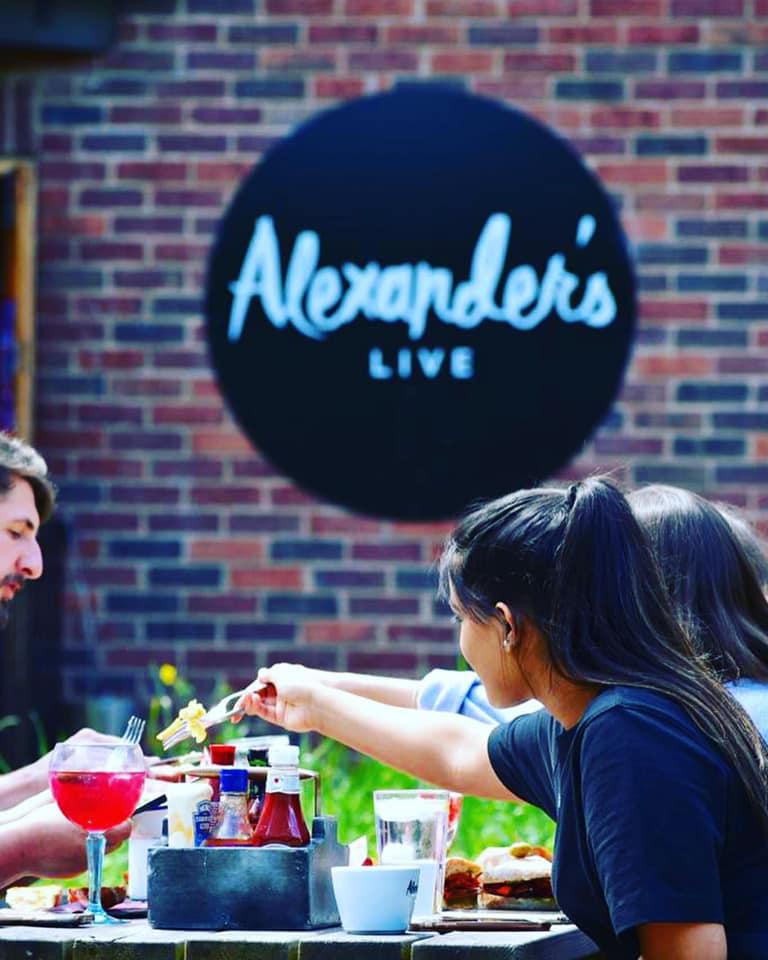 Alexanders=live Outside