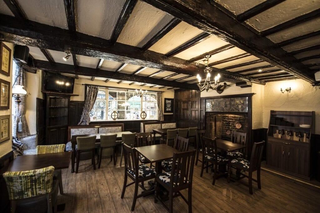 the pied bull pub