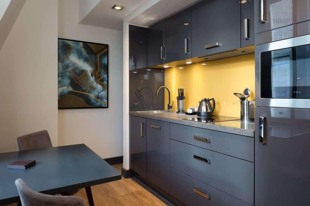 roomzzz chester kitchen