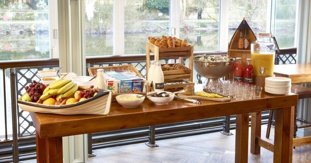 the boathouse inn riverside rooms breakfast